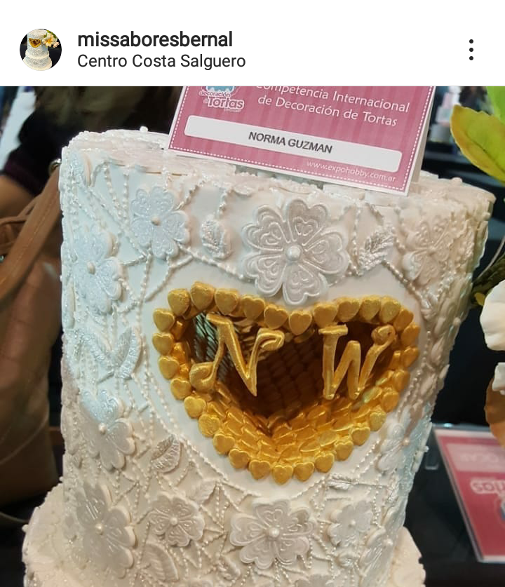 hole cake decorado corazón